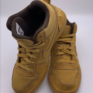 Nike court Borough Mid GS wheat brown